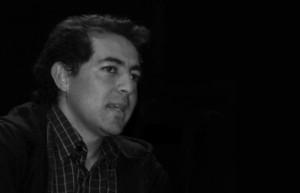 Poeta Julio  Pazos Leyendo sua poesias